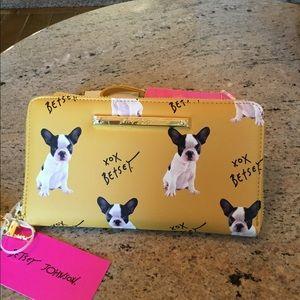 Betsy Johnson ZIP Around Wristlet Wallet